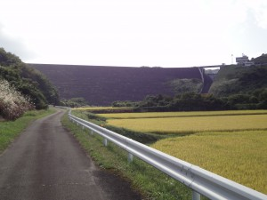 七北田ダム堤体前面