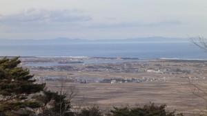 四方山展望台から鳥の海方向(ズーム)